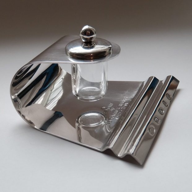 Ink stand (side view)