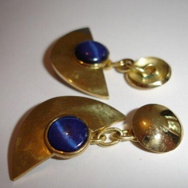 Star sapphire gold earings